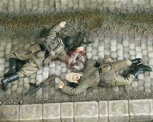 Verlinden 1/35 Soviet Casualties Russian Soldiers Lying Dead WWII (2 Figs.) 2035