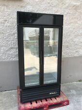 True Two Door Display Reach-in Refrigerator, Restaurant Equipment.