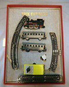 Vintage HO Scale #511 Trix Express Train Set in Original Box