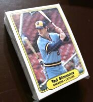50) TED SIMMONS Milwaukee Brewers 1982 Fleer Baseball Card #152 LOT