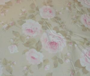 Simply Shabby Chic Rachel Ashwell Dutchess Pink Floral Full/ Queen Comforter Set