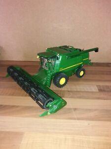 Siku 1:32 John Deere T670i Combine Harvester