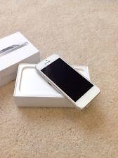 Apple iPhone 5 16GB AT&T Unlocked Smartphone