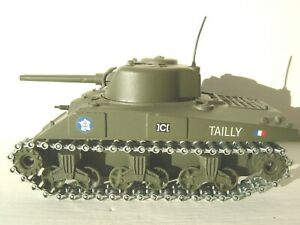 Char Sherman M4 A3 Solido made in France , état neuf 1/50
