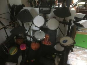 E drum set Roland gebraucht Soundmodul TD-3