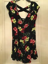 HOLLISTER, Stunning New Ladies Floral Plunge  Dress, size M (uk approx 10/12)
