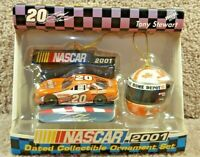 2001 NASCAR Dated Collectible Ornament Set  Helmet Tony Stewart Home Depot #20