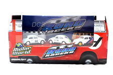 GREENLIGHT MOTOR WORLD DIORAMA VOLKSWAGEN ROAD RACER SET 1/64