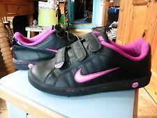 Nike Trainers 5.5 Black & Pink Hardly Worn so in pristine condition.