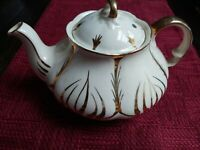 Unique Vintage Ellgreave Teapot Made in England Gold Design Tea Pot.