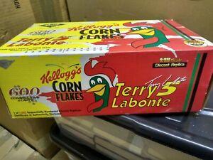REVELL  1/18 scale TERRY LABONTE 1998 KELLOGGS IRON MAN MONTE CARLO.