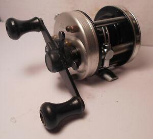 Vintage Abu Garcia AMBASSADEUR 5500 C3 Baitcast Baitcasting BASS Fishing Reel