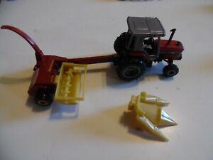 ERTL 1/64 die-cast Massey Ferguson 3120 tractor with New Holland 900 Forage