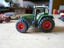 Siku  Tracteur Vert avec cabine Fendt sans pelle