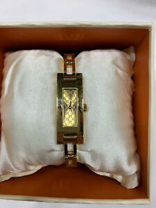 •Vintage Gucci Gold Womens Watch