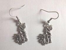 Boucles d'oreilles argentées dragon 27x16 mm