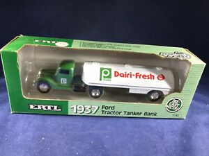 S2-1 ERTL 1937 FORD TRACTOR TANKER BANK 1:43 SCALE - PUBLIX DAIRI-FRESH - NIB