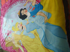 PLAID -  DISNEY PRINCESS - dim. 115 * 137 cm - 100 % polyester