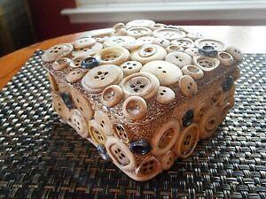 Vintage Button Box ~ Trinket Box ~ Button Collectors ~ Cute!