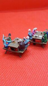 preiser ho/00 figures/people Handpainted seated men & women drinking/eating x 8