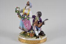 k01i06- Porzellan Figur Paar mit Blumenkranz und Laute