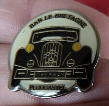 RARE PIN'S VOITURE CITROEN TRACTION BAR LE BRETAGNE PLOUGASTEL