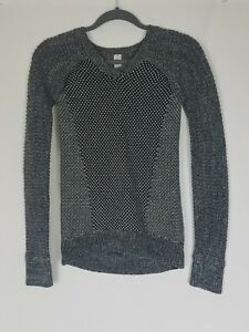 Ivivva girls 12 v-neck sweater long sleeve chunky athletic
