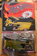 2009 Hot Wheels Red Line Club Exclusive Taxi Volkswagen Drag Bus 3491/7000