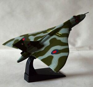 Atlas Editions JK01 Avro Vulcan Bomber Jet Age Military Aircraft 1:200