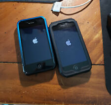 Lot of Two Apple iPhones, iPhone 3G (8Gb) and 3Gs (16Gb). Both are functional.