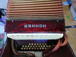 Akkordeon Hohner Club III B Knopfakkordeon Harmonika, mit Koffer