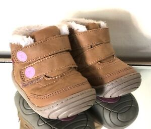 Surprize by Stride Rite Booties Infant Girl's Size 3M Tan/White Faux Fur Trim