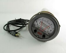 """Photohelic 3008C Pressure Gage - 0"""" to 8"""" of Water"""
