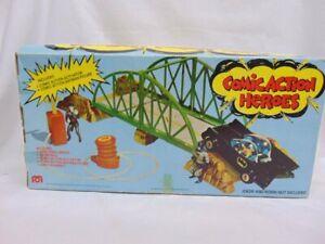 Vtg 1976 Mego Comic Action Heroes Exploding Bridge w/Batmobile & Activator