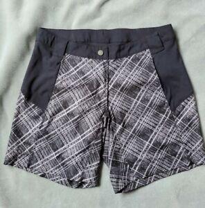 "Pearl Izumi Women's Small Black/Grey Shorts Adjustable Waist 8"" inseam"