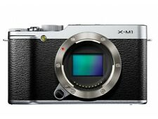 "Fujifilm X-M1 [16.3MP, Live View, 3""] silber - AKZEPTABEL"
