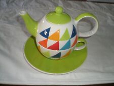 WHITTARD OF CHELSEA TEA POT WITH MATCHING CUP AND SAUCER
