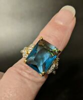 Vintage Aqua Blue & Clear Rhinestone Costume Jewelry Ring - Size 7 - Goldtone