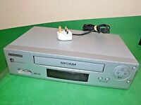 SCHNEIDER VCR VHS VIDEO CASSETTE RECORDER Vintage SVC618 Silver Smart Slim Small