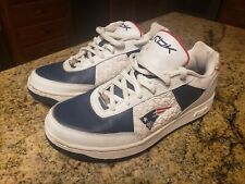 NFL Reebok New England Patriots Sneaker Shoes Embroidered logo - Size 7.5 - Rare