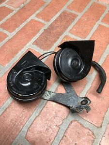 2017-2018 FORD FUSION LOW & HIGH NOTE TONE PITCH SIGNAL HORN W/ BRACKET SET OEM