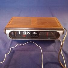 Lark AM FM Digital Flip Clock Radio Retro Vintage (Works Well)