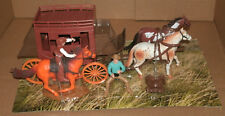 1/28 Scale Western Stagecoach Wagon Play Set With Horses + Cowboys New Ray 38535