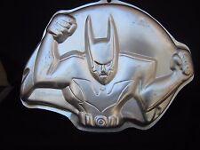 """Vintage Wilton Cake Form/Pan """"BATMAN BEYOND"""" 16"""" X 12"""" X 2"""" Home Use Only 2000!!"""