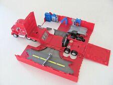 Disney Cars Piston Cup Speedway Mack Hauler playset Pitstop pit crew Garage