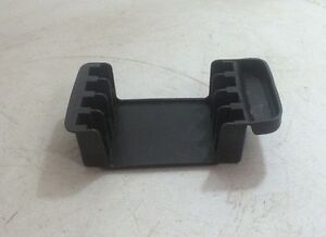 1997-2005 CHEVY MALIBU CENTER CONSOLE RUBBER CD HOLDER INSERT OEM (22614447)