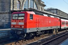 PHOTO  GERMAN RAILWAY -  DB CLASS 1430 NO 143 624 AT NURNBERG HBF ON A PUSH-PULL