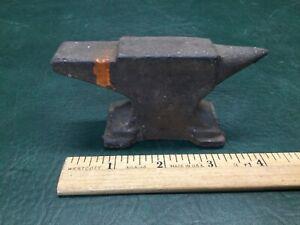 Vintage Cast Iron Jewelers Anvil Miniature 1lb