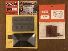 MODEL RAILWAY KIT x2 OO/HO Heljan Signal Box 401 & Finecast Tea Kiosk ss14 NEW