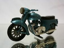 BRITAINS - TRIUMPH THUNDERBIRD +  9697  - MOTORCYCLE   1:32 - VERY GOOD
